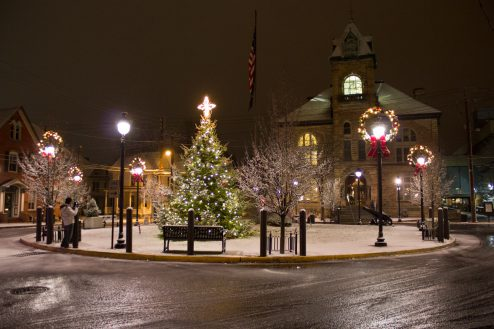 Here is the location of our Christmas Tree, located downtown in the beautiful Courthouse Square. All lit up, and peaceful as usual.
